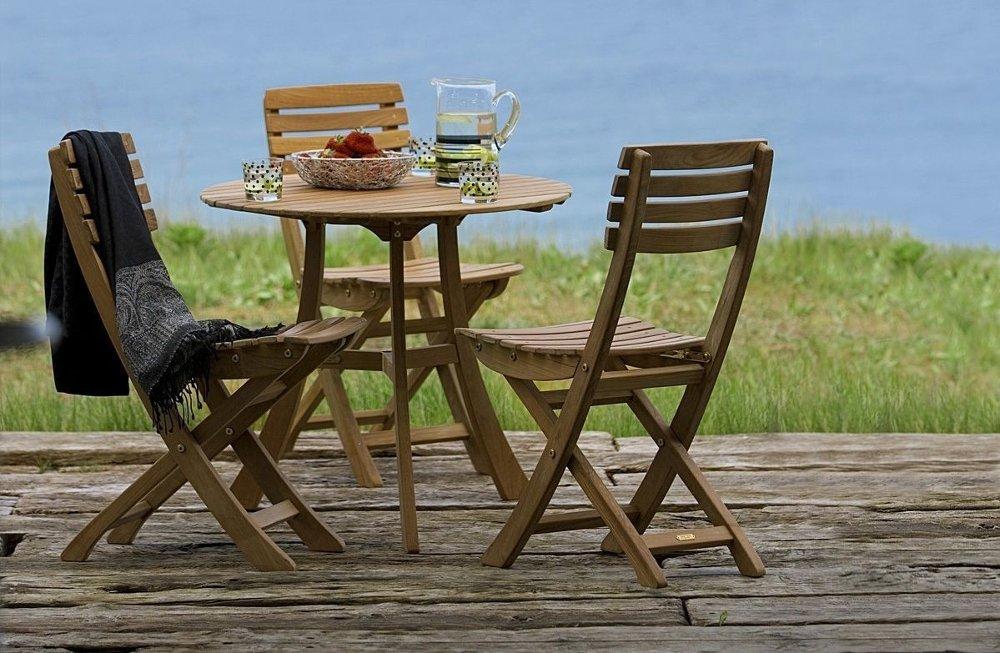 Klikk på bildet for å forstørre. Sett med tre stoler og bord i teak.