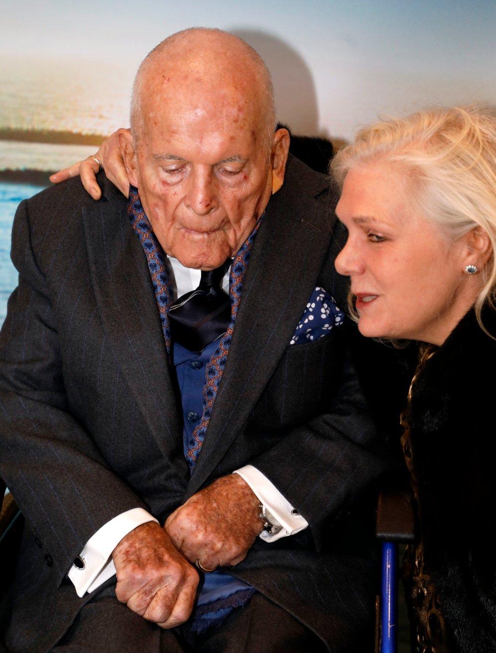 Klikk på bildet for å forstørre. Sir Ian Holm and Sophie de Stempel attending the Newport Beach Film Festival UK Honours event held in London, UK.