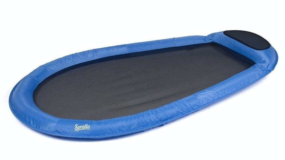 Klikk på bildet for å forstørre. Denne hengekøyen henges ikke opp, men legges på vannet. En helt strålende oppfinnelse, som kundene er superfornøyd med.