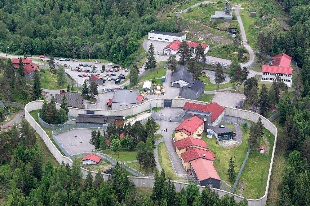 Klikk på bildet for å forstørre. Flyfoto over Kongsvinger fengsel, Vardåsen.