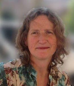 Klikk på bildet for å forstørre. Lucy Robertson, professor institutt for parakliniske fag ved NMBU.