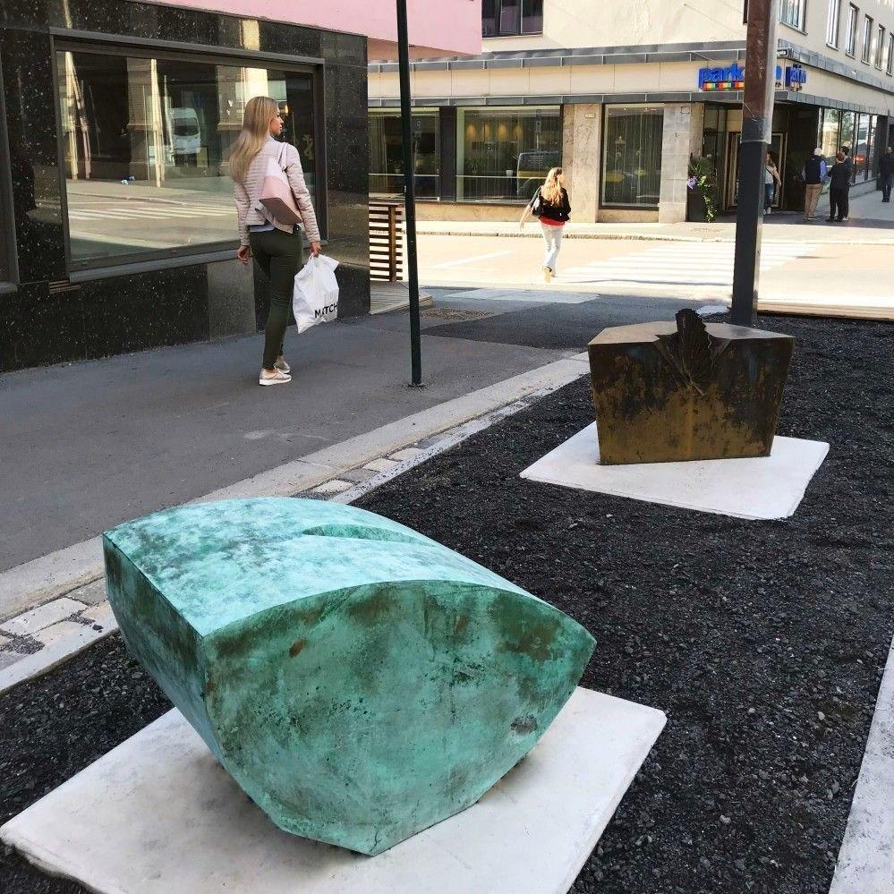Klikk på bildet for å forstørre. STJERNE OG BÅT: Blant de andre kunstverkene i den nye skulptursonen er kunstverket «stjerne og båt».
