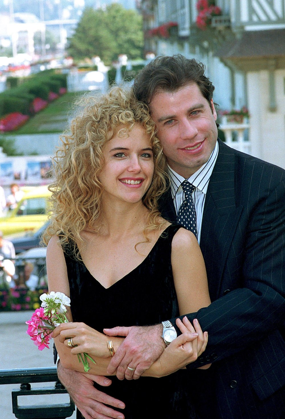 Klikk på bildet for å forstørre. Kelly Preston og John Travolta avbildet i Paris - en uke etter at de giftet seg.