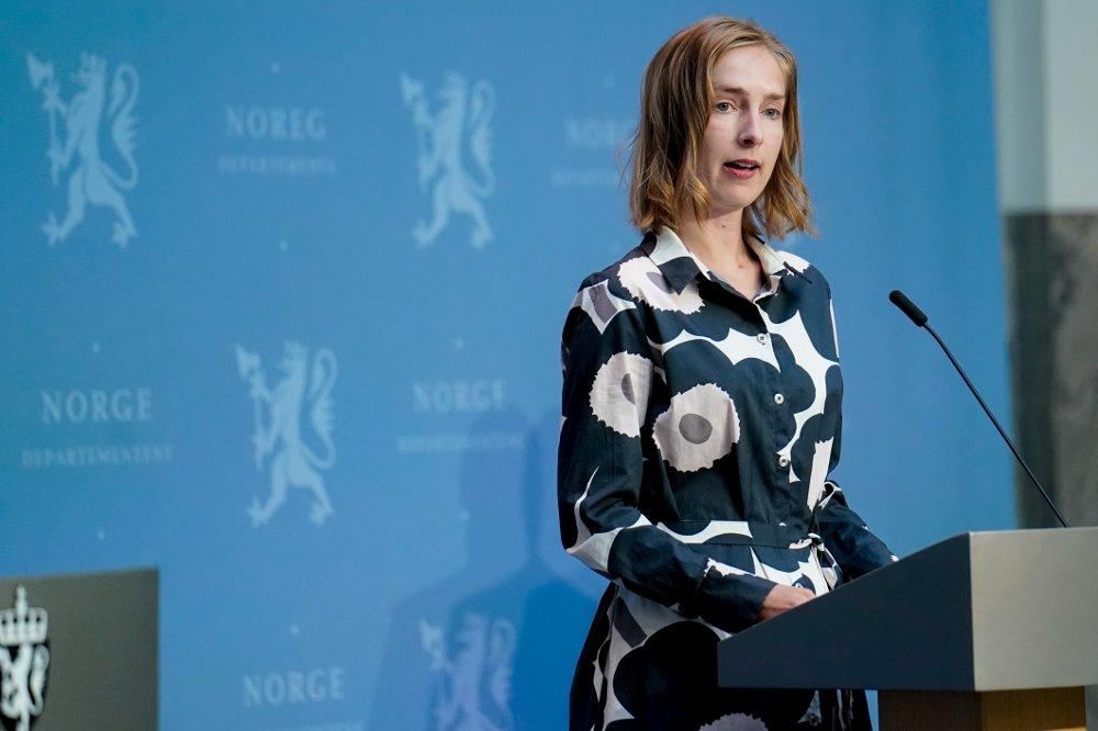 Klikk på bildet for å forstørre. Næringsminister Iselin Nybø under regjeringens pressekonferanse om oppdaterte reiseråd.