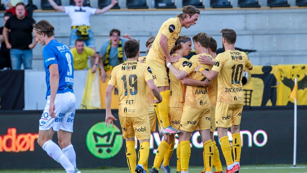 Klikk på bildet for å forstørre. JUBEL: Bodø/Glimt gikk seirende ut av storoppgjøret mot Molde på Aspmyra stadion.