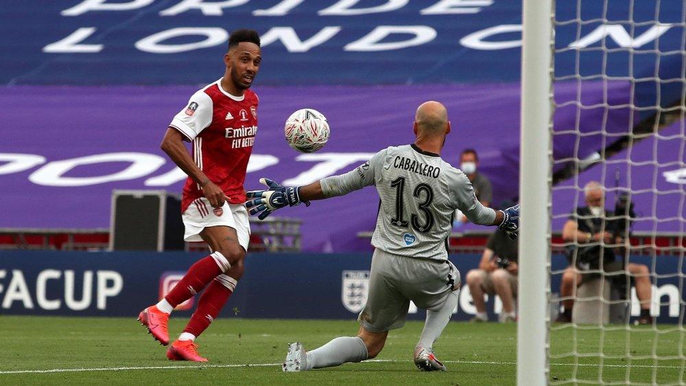 Klikk på bildet for å forstørre. 2-1: Pierre-Emerick Aubameyang ble kampavgjørende da Arsenal vant FA-cupen.
