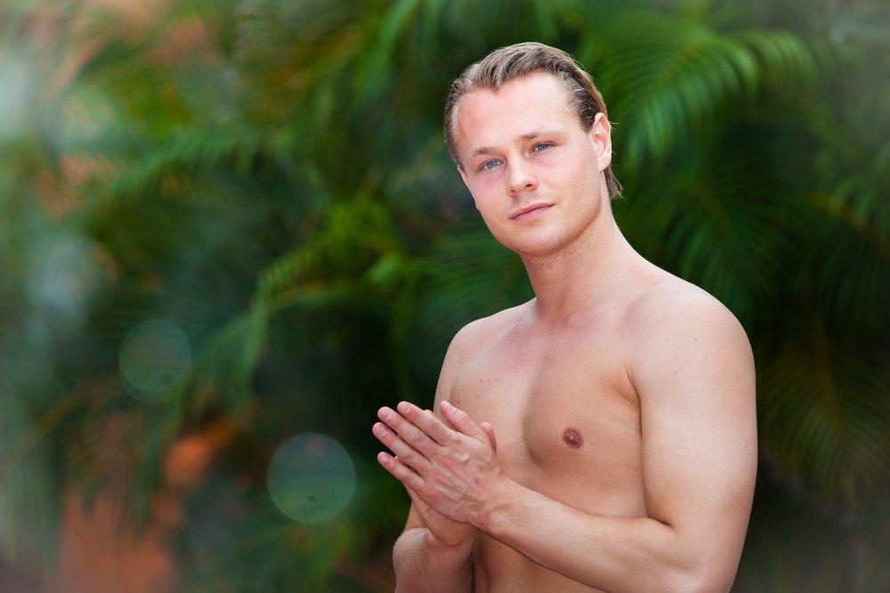 Klikk på bildet for å forstørre. BESTEMT: I mandagens episode sier Marcus Tannum Løken at han skal holde seg i skinnet og ikke ha sex første natten. Den planen klarer han derimot ikke å holde.