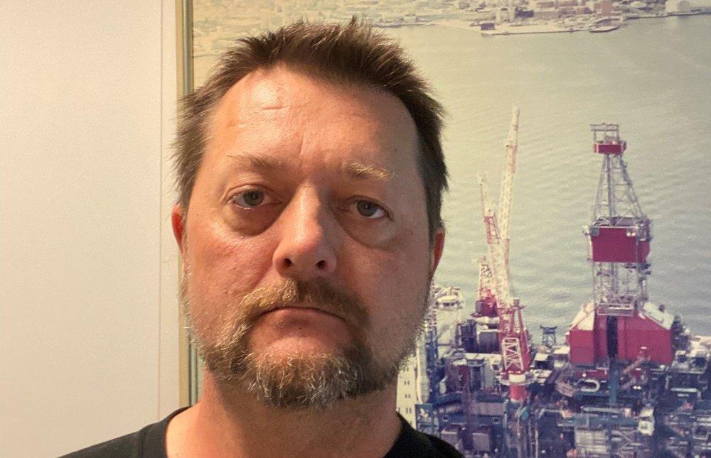Klikk på bildet for å forstørre. OFFSHORE: Henning Ulseth i Bilfinger er tilbake i Nordsjøen etter seks måneder på land med store mengder arbeid som klubbleder. Han er fornøyd med at Bilfinger i Norge ikke har blitt rammet av nedbemanninger, men sier at både klubben og bedriften må fortsette å jobbe hardt for å holde de ansatte i arbeid.