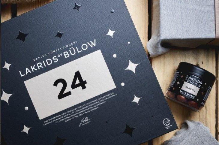 Klikk på bildet for å forstørre. Du kan allerede nå sikre deg storselgeren fra 2019: Lakrids by Bülow. Bestiller du nå får du med en boks med classic lakris.