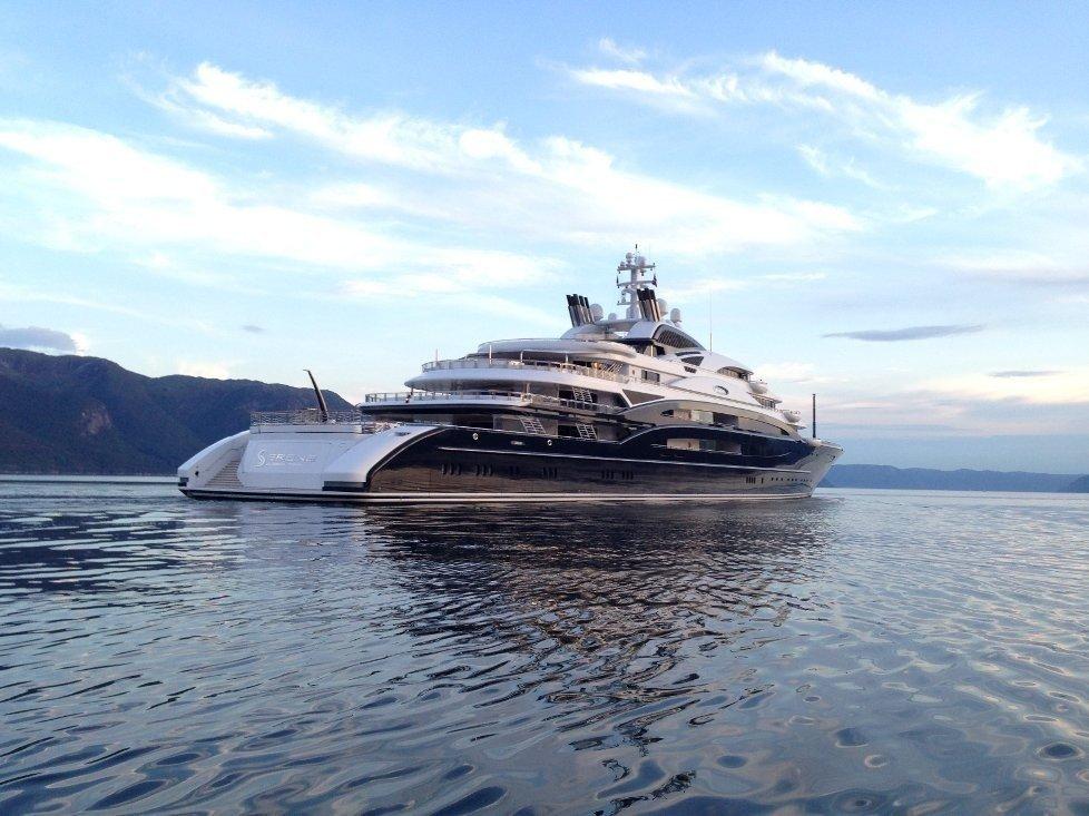 Klikk på bildet for å forstørre. «Serene» er 134 meter med ren luksus. i 2014 besøkte «Serene» Knutholmen og Sognefjorden fikk også besøk.