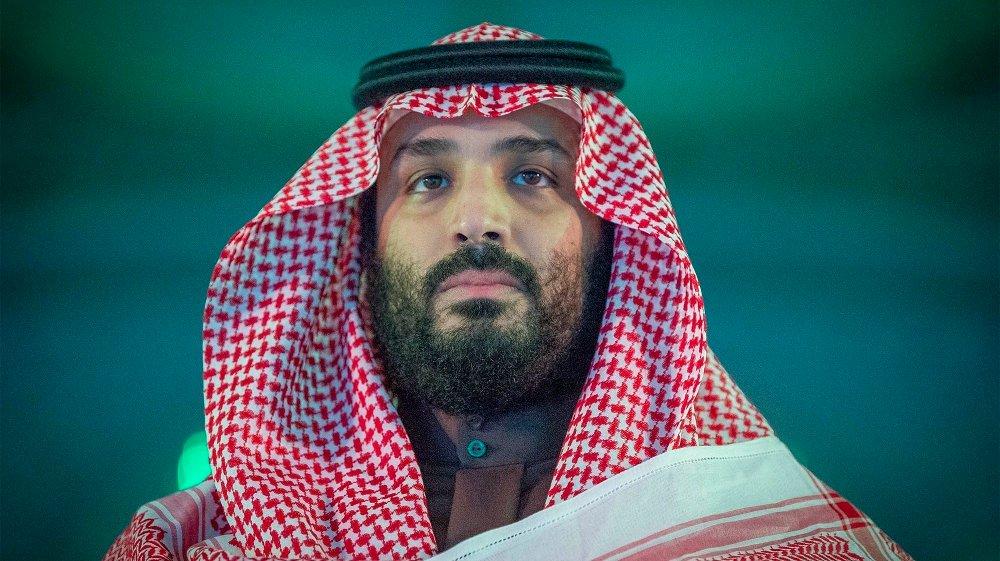 Klikk på bildet for å forstørre. Saudi-Arabia er et eneveldig monarki med drøyt 32 millioner innbyggere, som ledes av Kong Salman (83), som har sittet på tronen siden halvbroren kong Abdullah døde i januar 2015. Det var i 2017 at kong Salmans sønn, Mohammed bin Salman, ble utpekt til kronprins. Han er også forsvarsminister og regnes ifølge NTB som landets de facto leder.
