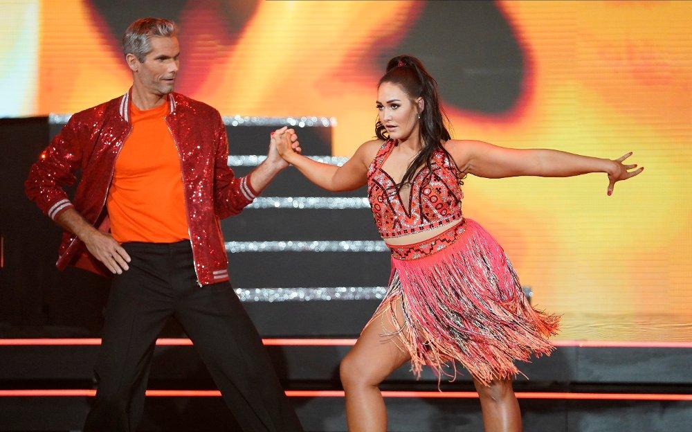 Klikk på bildet for å forstørre. Skal vi danse - program 01 2020 Thomas Alsgaard og Rikke Lund Skal vi danse - program 01 Bildene kan kun brukes av media i forbindelse med omtale av TV 2 eller TV 2s programmer. FOTO: Espen Solli / TV 2