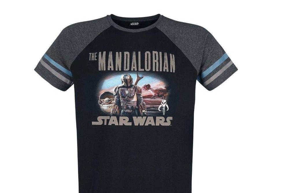 Klikk på bildet for å forstørre. En tøff og klassisk Star Wars-t-skjorte er et must i klesskapet til en fan.