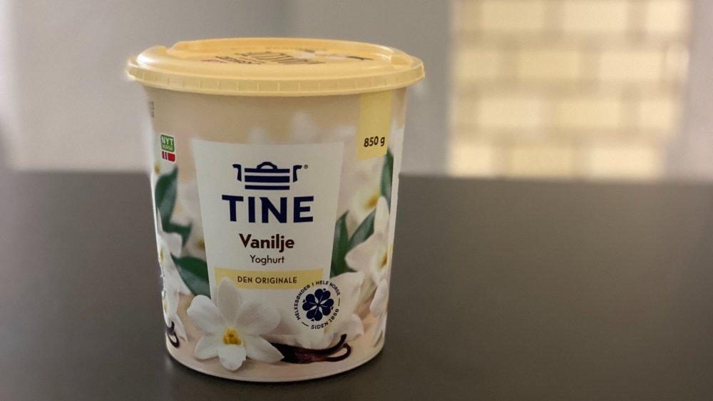 Klikk på bildet for å forstørre. DYREST: Å kjøpe et stort beger på 850 gram med yoghurt er dyrere enn å kjøpe fire små begere.