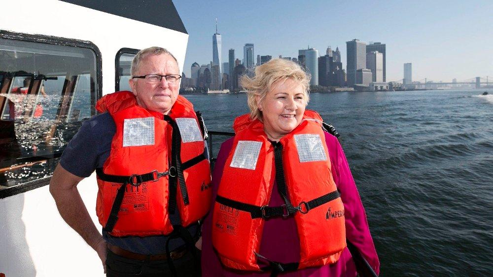 Klikk på bildet for å forstørre. NEW YORK: I 2019 besøkte statsminister Erna Solberg (H) og Equinors konsernsjef Eldar Sætre vindkraftprosjektet Empire Wind utenfor New York.