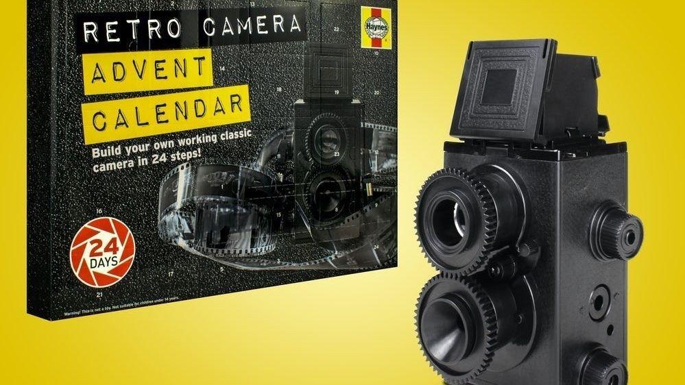 Klikk på bildet for å forstørre. Tell ned dagene til julaften gjennom å bygge et fungerende analogt kamera i tjuefire trinn!