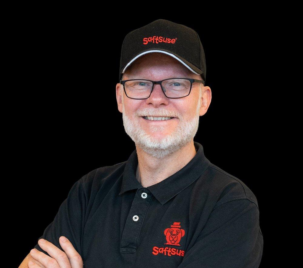Klikk på bildet for å forstørre. FORNØYD: Daglig leder i Saftsuse Willy Osberg er meget fornøyd med oppsvinget i salget.