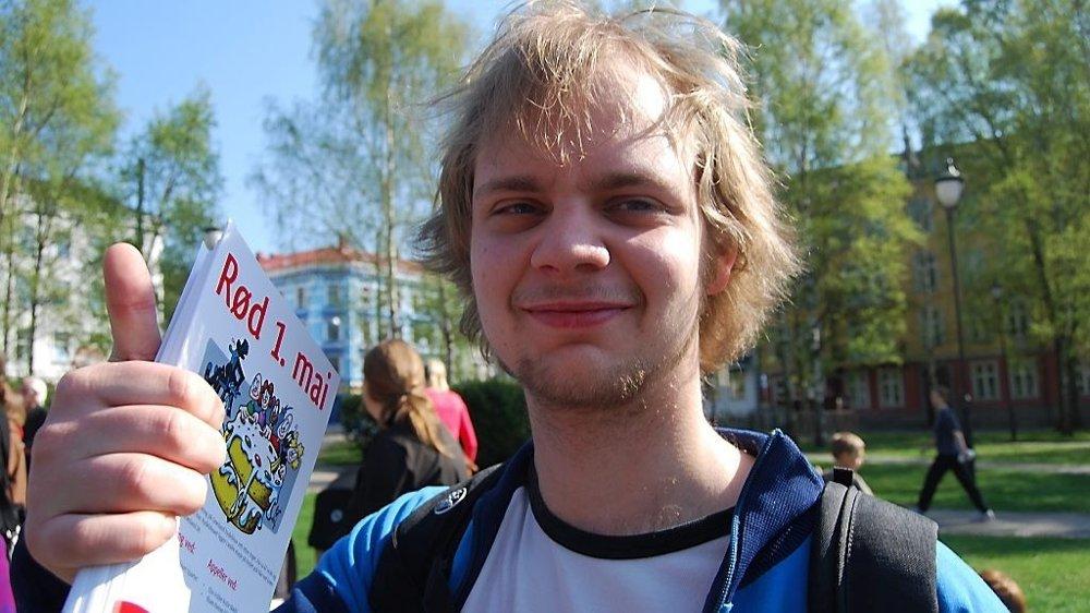 Klikk på bildet for å forstørre. RØD: Før Mímir Kristjánsson ble medlem av Rød Ungdom, var han leder for AUF i Stavanger. – Jeg tror mange stemmer på Rødt fordi de, paradoksalt nok, vil ha ekte Ap-politikk. Jeg kunne gjerne vært en del av Gerhardsens Ap, men det finnes ikke lenger, sier Kristjánsson i dag.