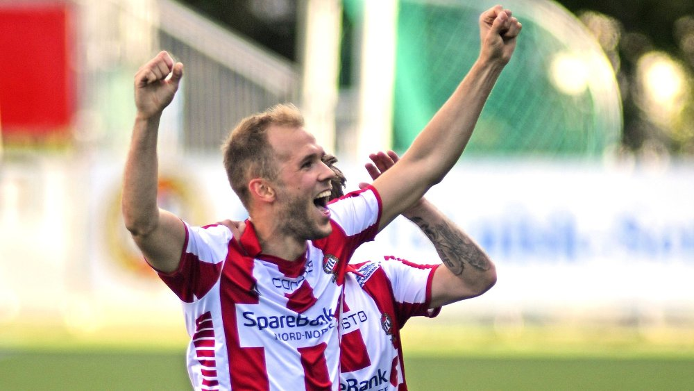Klikk på bildet for å forstørre. Tromsø 20200703. 1.divisjon i fotball på Alfheim stadion. Tromsø-Raufoss. Lasse Nilsen scorer Tromsøs første mål.