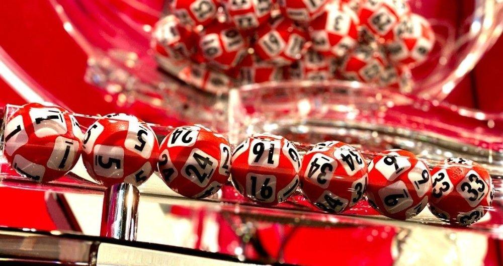 Klikk på bildet for å forstørre. Dette var rekka som ble vinnerrekka i vanlig Lotto. De som vant i supertrekningen trengte ikke å ha ett eneste tall riktig.