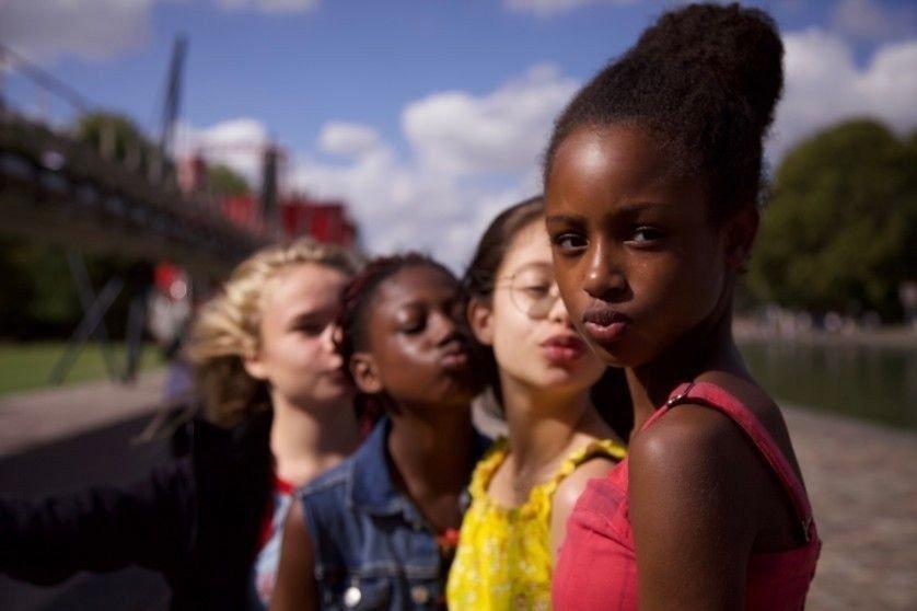 Klikk på bildet for å forstørre. KONTROVERSIELL: Netflix-filmen Søtnosene vekker sterke reaksjoner.
