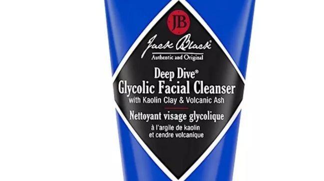 Klikk på bildet for å forstørre. Jack Black renser huden til menn.