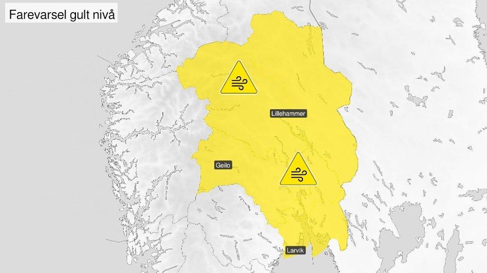 Klikk på bildet for å forstørre. Vinden tar godt også sørover på Østlandet, skriver Meteorologisk institutt på Twitter. Klokka 11 er farevarselet utvidet.