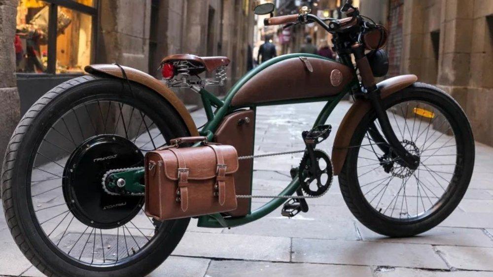 Klikk på bildet for å forstørre. Rayvolt Cruzer er inspirert av klassiske motorsykler som Indian, 60-tallets Cafe Racere og de legendariske syklene – Californian Beach Cruiseres.