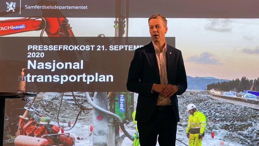 Klikk på bildet for å forstørre. Samferdselsminister Knut Arild Hareide forteller om en ny måte å tenke utbyggingen av samferdsel i Norge, og melder at mange vil bli skuffet.