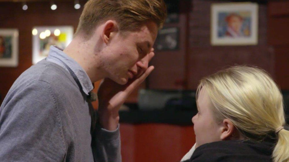 Klikk på bildet for å forstørre. Christoffer forteller til Nettavisen at det var tøft å se hvordan hans egne problemer påvirket de han er glad i, som kjæresten Ella.