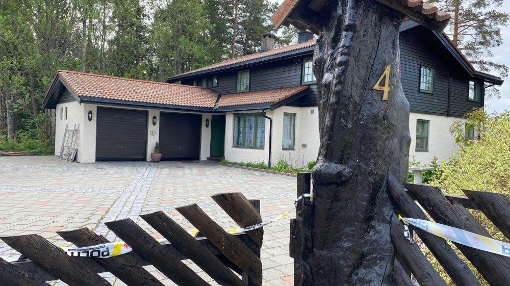 Klikk på bildet for å forstørre. Tom Hagen Anne-Elisabeth Hagen Huset til Tom Hagen og Anne-Elisabeth Hagen i Sloraveien 4 i Lørenskog.