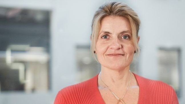 Click the pic to enlarge.  Inger Lise Blyverket is director of the Consumer Council.