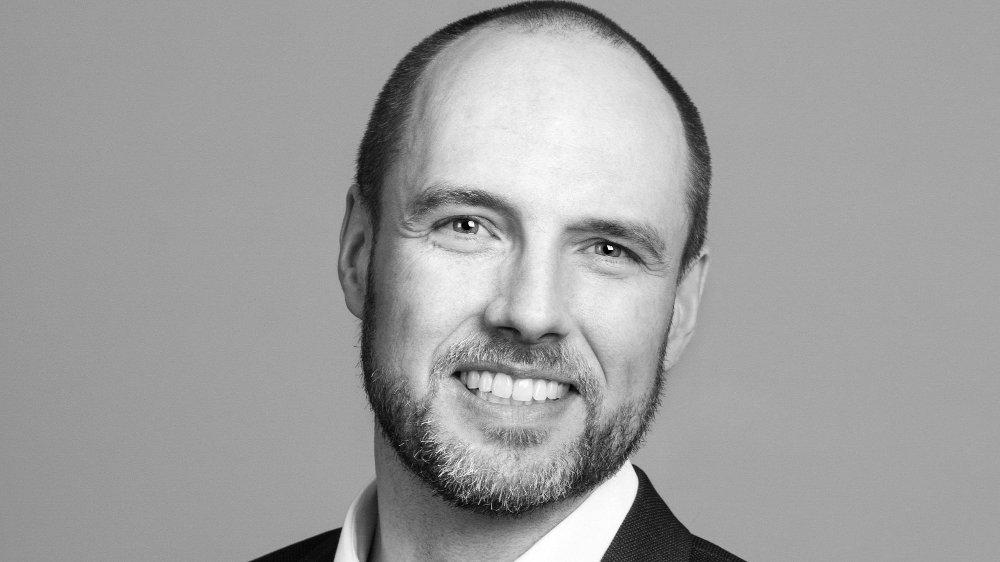 Klikk på bildet for å forstørre. BEST TROSS ALT: Uansett rentenivå skal aksjer over tid gi best avkastning, sier investeringsdirektør Tormod Vågenes i Holberg.
