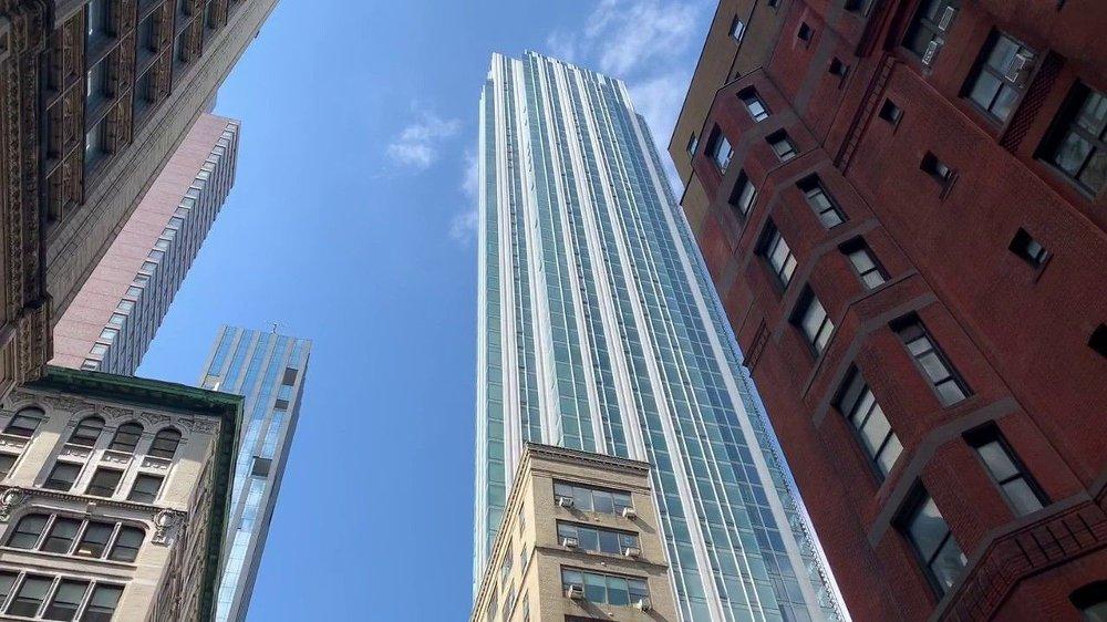 Klikk på bildet for å forstørre. Leilighetskomplekset Madison House på Manhattan, på 15 East 30th Street.