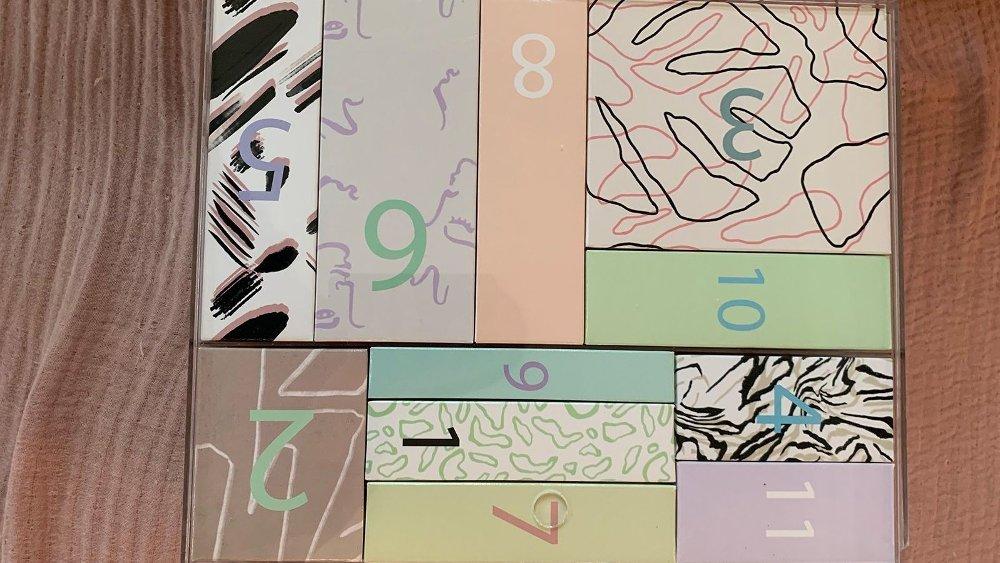 Klikk på bildet for å forstørre. Kalenderen fra Asos kommer med bokser med nummer, lagt inn i en plastboks.