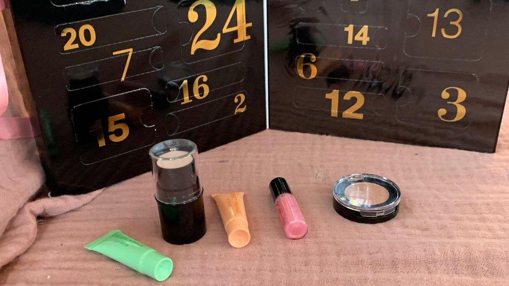 Klikk på bildet for å forstørre. H&Ms kalender har enkle og fine produkter som vil appellere til en yngre målgruppe.