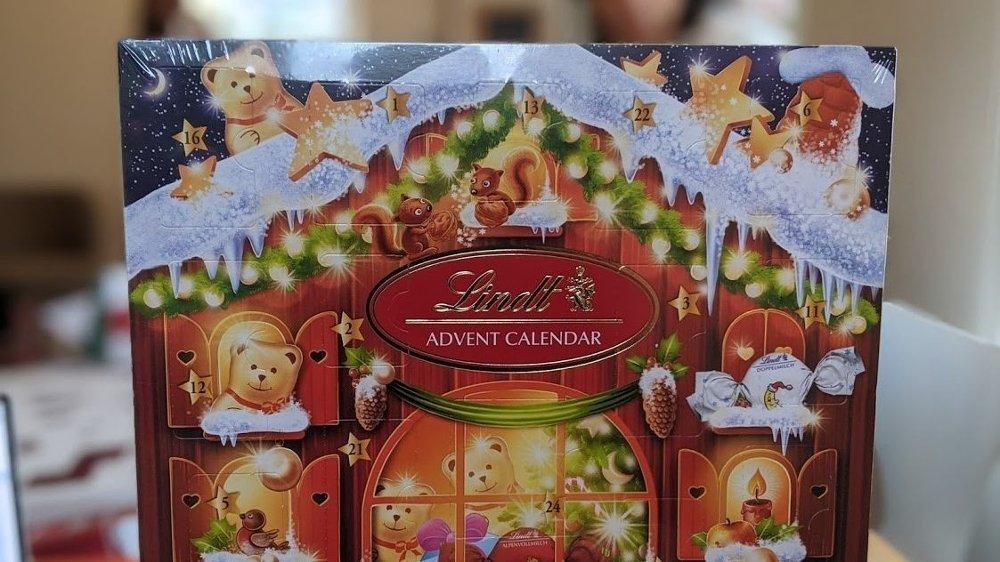 Klikk på bildet for å forstørre. Lindt-kalenderen har vi tatt inn i vår nettbutikk av helt egoistiske årsaker.