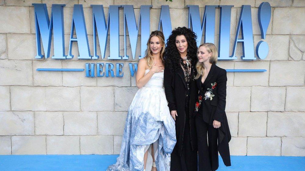 Klikk på bildet for å forstørre. FILMSTJERNE: Lily James er blant annet kjent fra den andre «Mamma Mia»-filmen, der hun spiller mot Cher og Amanda Seyfried.