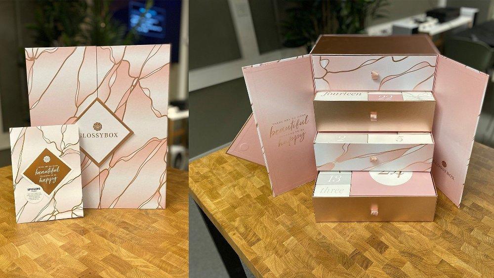 Klikk på bildet for å forstørre. Kjempeflott kalender fra Glossybox. Oppi de fire skuffene ligger gavene fint innpakket.