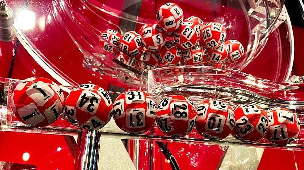Klikk på bildet for å forstørre. VINNERREKKEN: Tre spiller hadde vinnerrekka i lørdagens Lotto-trekningen. Det gav en premie på over 5,4 millioner kroner. Foto: Ane-Marthe Pedersen