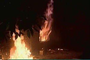 Den norske ambassaden i damaskus i flammer.