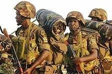 Rund 1.000 ugandiske offiserene og soldater kom siden tirsdag til den somaliske hovedstaden Mogadishu.