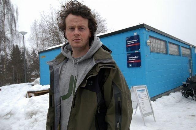 Leder av Hovseter fritidsklubb, Tommy Payne, har tro på musikkvideo-prosjektet. Foto: Elisabeth C. Wang