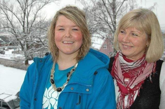 Nina Dietrichs (22) fra Oslo. Her sammen med Bente Nederberg, leder for fosterhjemstjenesten i Oslo. FOTO: IVAR BRYNILDSEN
