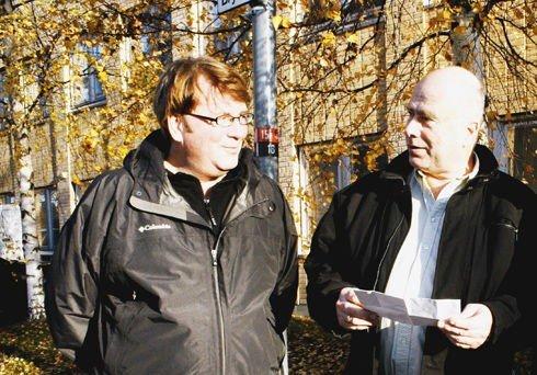 Ørjan Johansen (t.v.) har fått med seg leder Steinar Andersen og resten av årsmøtet i Nordstrand Arbeiderparti på et forslag om å lovfeste forbud mot sjødeponier langs norskekysten.
