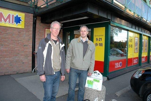 """Posten sier nei til å opprette en """"Post i Butikk""""-ordning på Korsvoll, slik Steinar bakken og Thor Gjestdal. Arkivfoto: Karl Andreas Kjelstrup"""