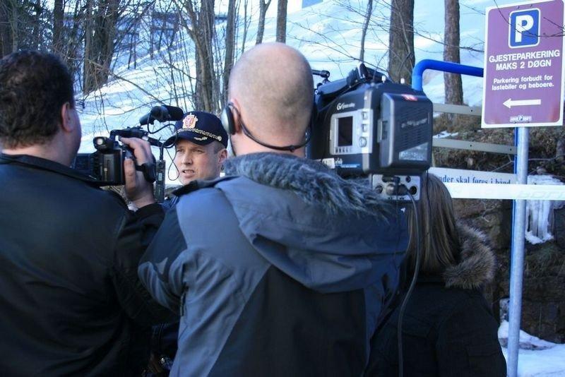 Tore Solberg, innsatsleder, hadde stor pågang fra presse og media.