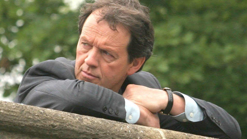 LEWIS har fått mer sting i de nye episodene med Kevin Whatley.
