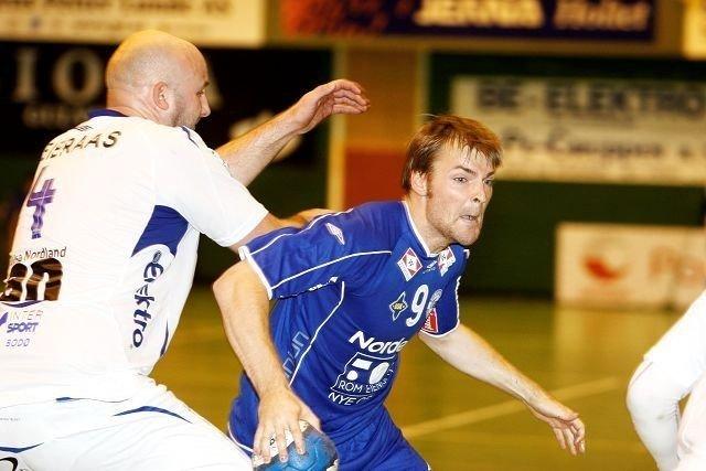 Gikk foran: Spillende trener Michael Rehnquist gikk selv foran i krigen og gjorde en god match mot Bodø. Han var strålende fornøyd med spillet, seieren og et hjemmepublikum i storslag. Begge foto: Carina Alice Bredesen