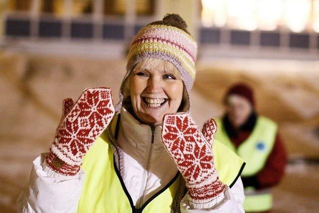 Mona Thorbjørnsen står på for folk på Lambertseter, enten det er som Natteravn, som telefonvenn eller ved å følge folk hjem. Foto: Øystein Dahl Johansen